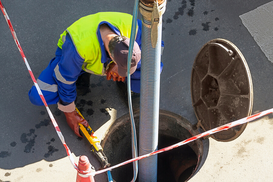 Upchatá kanalizácia odpadové potrubie TOP krtkovanie